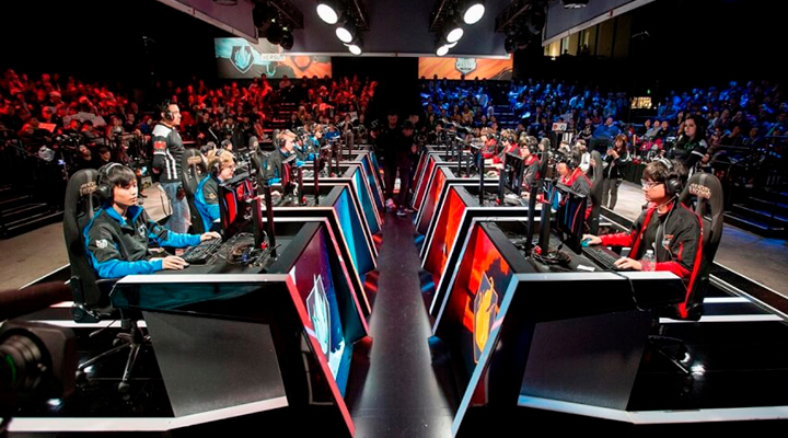 8 Best eSports Players of All Time